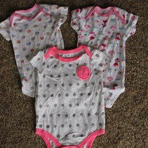 3- 6-9M Oneies pink and white